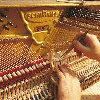 schimmel-piano-manufacturing-19